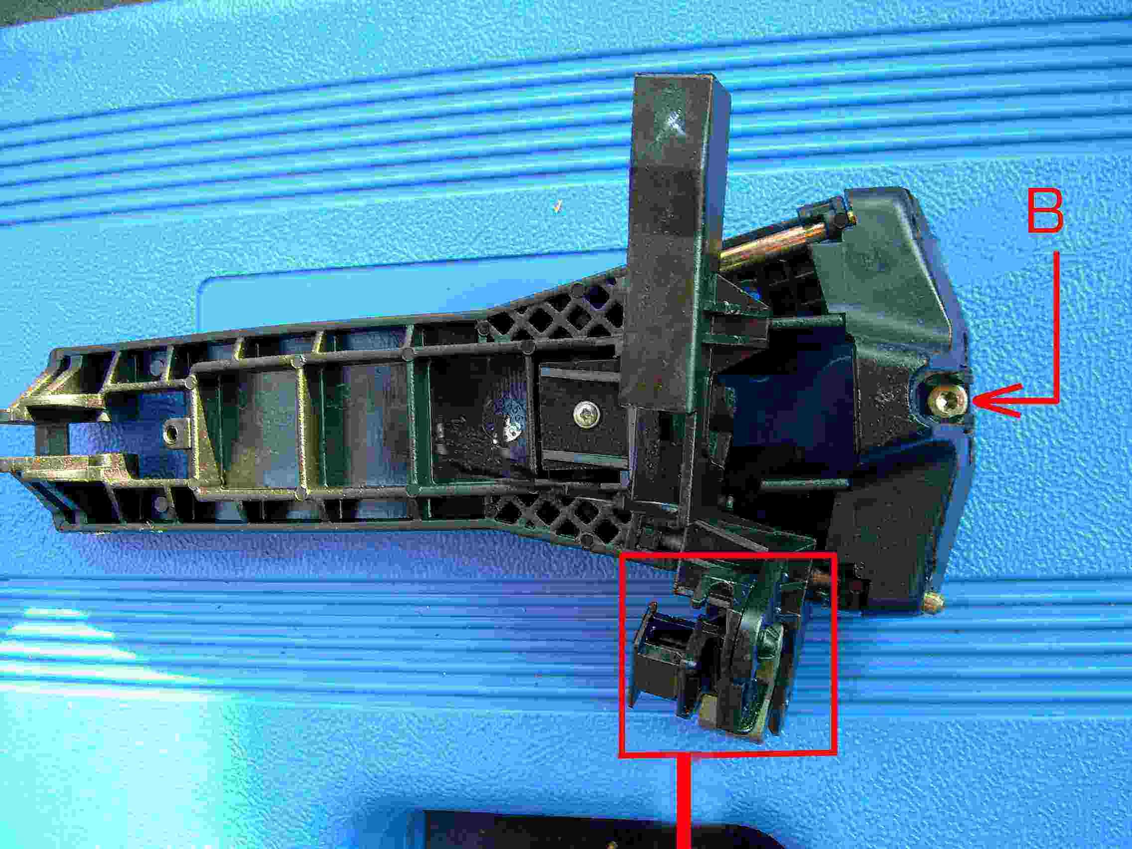 Bert Rowe\'s-mercedes-Benz \'A\'-class info. Removal of Inner Rear Door ...