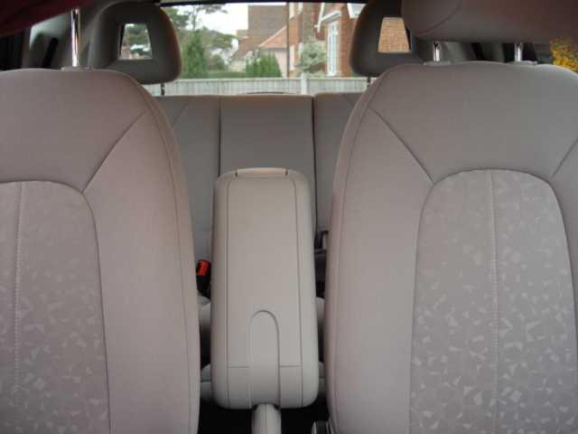 Bert Rowe's-Mercedes-Benz 'A'-class info  Seat adjustment