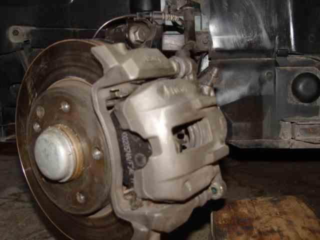 Bert Rowe's Mercedes-Benz 'A'-class info, Front brakes, Disc's, pads