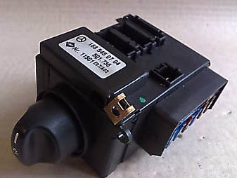 bert rowe s mercedes benz a class w168 info main lighting switch the main lighting switch is a complete unit and also encompasses the lighting fuse board the switch is secured by three screws speed nuts