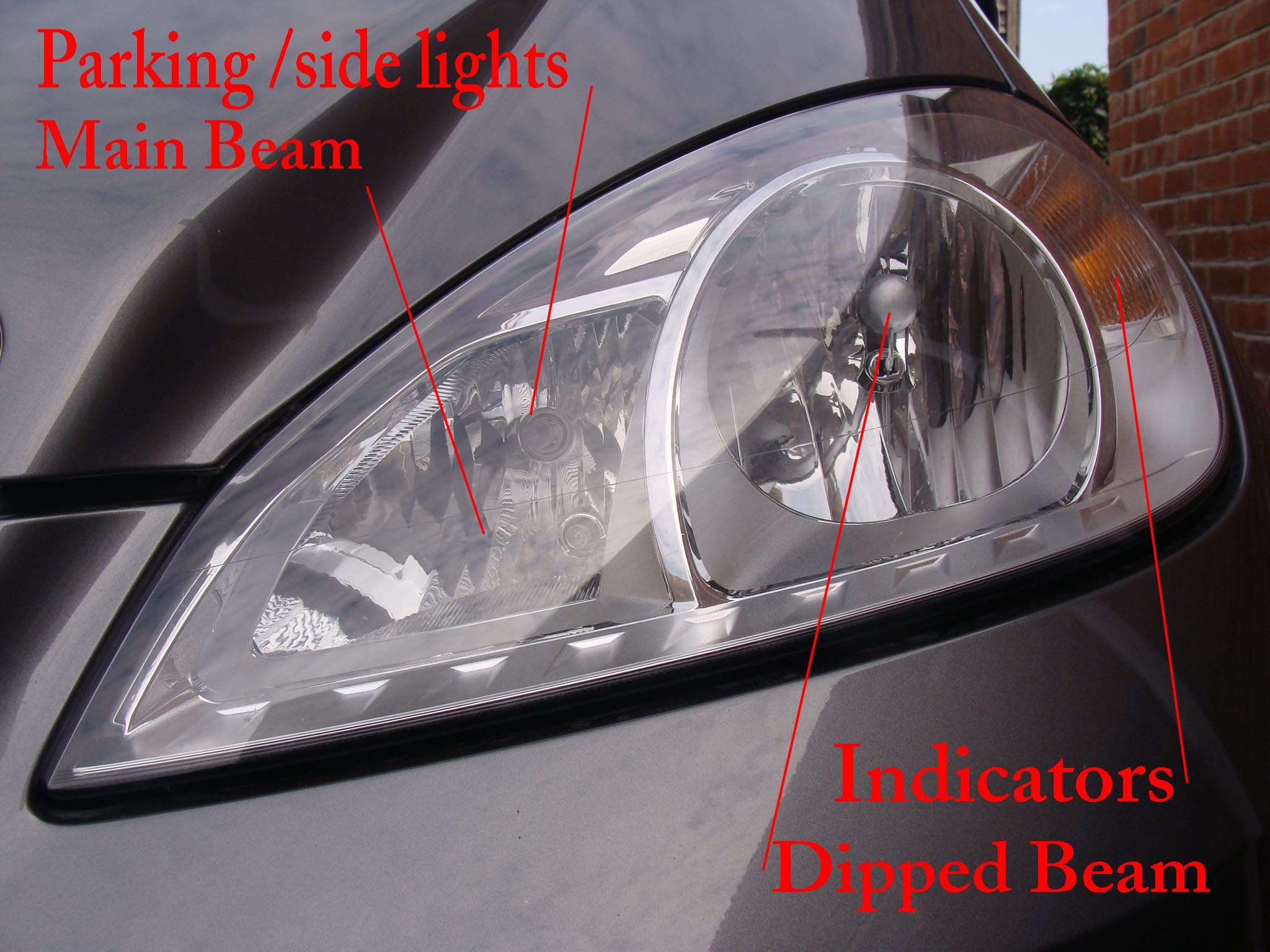 Quot Replacing Front Light Bulbs On W169 A Class Classic 2009 Quot